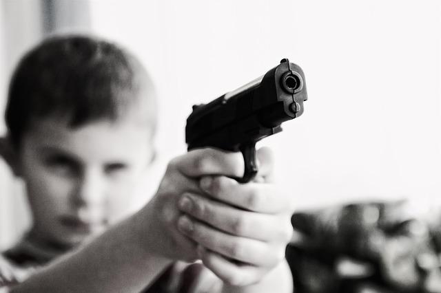 A tizenévesek és a családon belüli erőszak