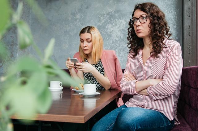 Hogyan dobj fel egy unalomba fulladt beszélgetést?